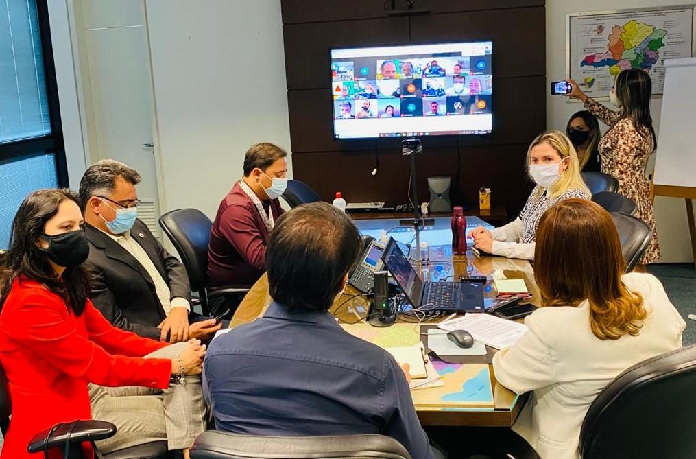 Governo de Minas se reúne com prefeitos da RMBH para alinhar ações de enfrentamento à pandemia e informações sobre a vacinação nos municípios